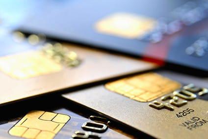 Cartes bancaires: comment différencier une carte de débit, d'une de crédit ou une carte prépayée ?